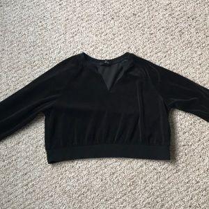 black long sleeve velvet top